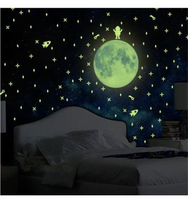 fabricado en vinilo precortado reutilizable con la temática luna  y estrellas fluorescentes