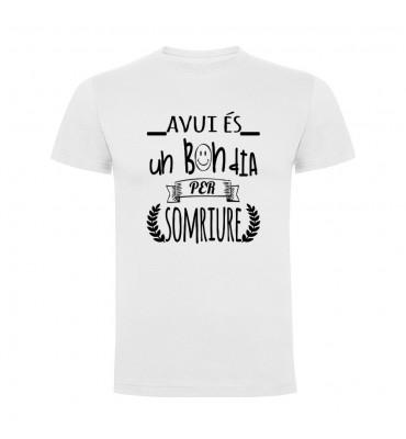 Camisetas con frases motivadoras fabricadas en 100% algodón de serie limitada con la frase Avui es un bon dia