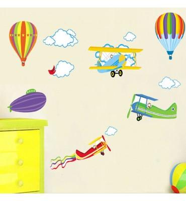 fabricado en vinilo precortado reutilizable con la temática globos grandes avionetas y nubes